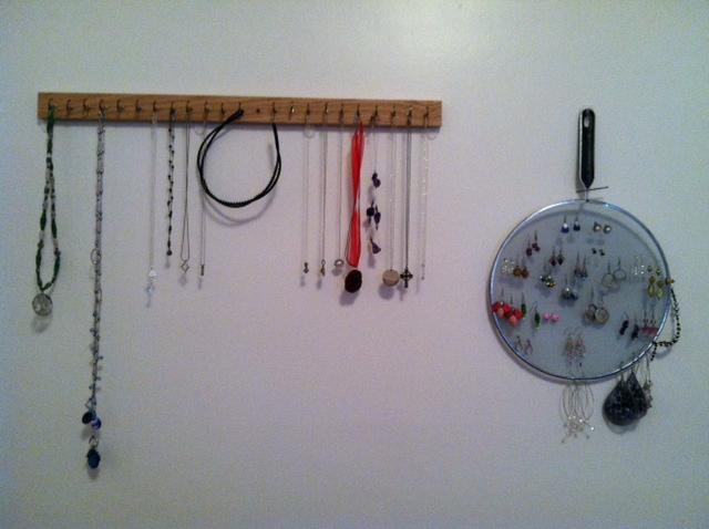 Minimalist jewelry box
