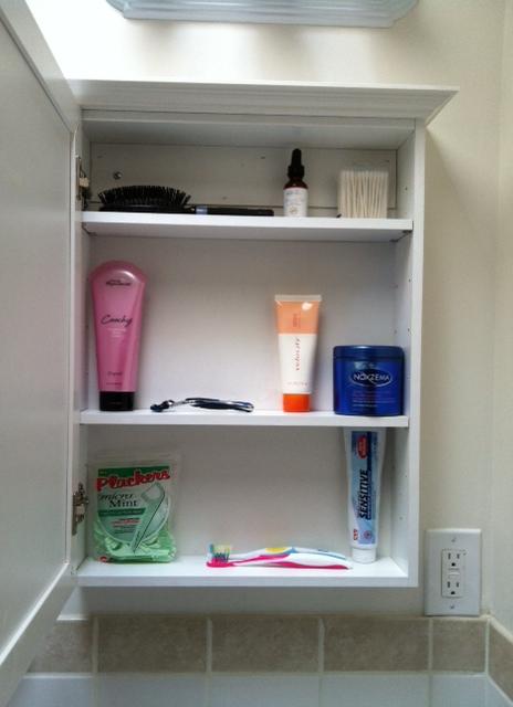 My not-so-minimalist bathroom (3/5)